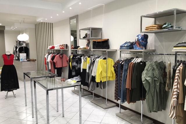 Allestimento negozi abbigliamento: agorà allestimenti arredamento