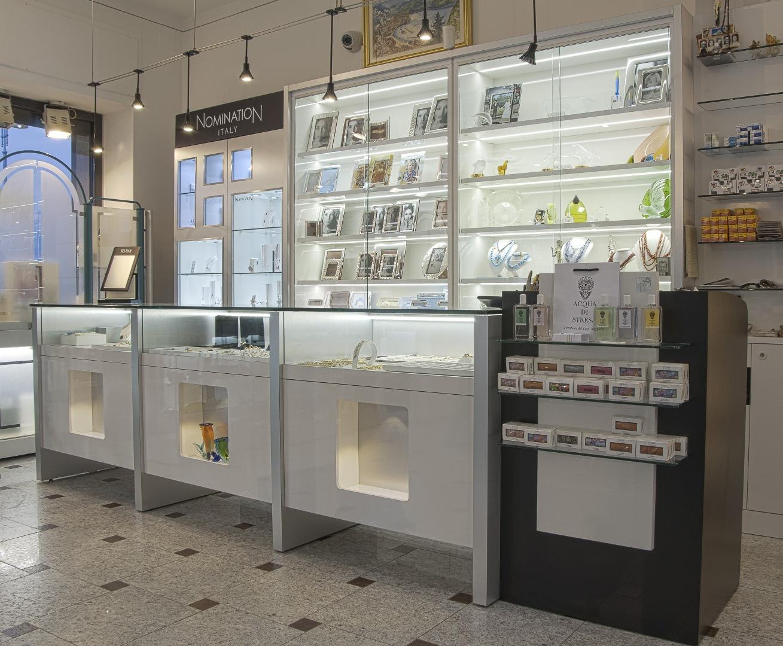 Altre merceologie agor allestimenti arredamento negozi for Arredamento seconda mano