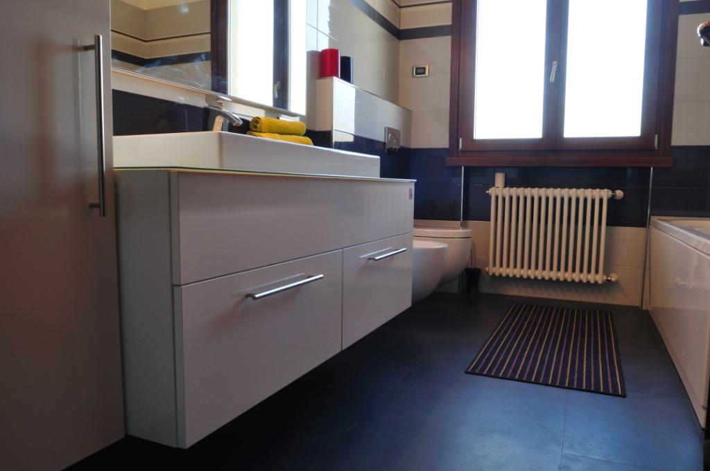 Agor allestimenti ambienti cucina - Mobile con cassetti per cucina ...