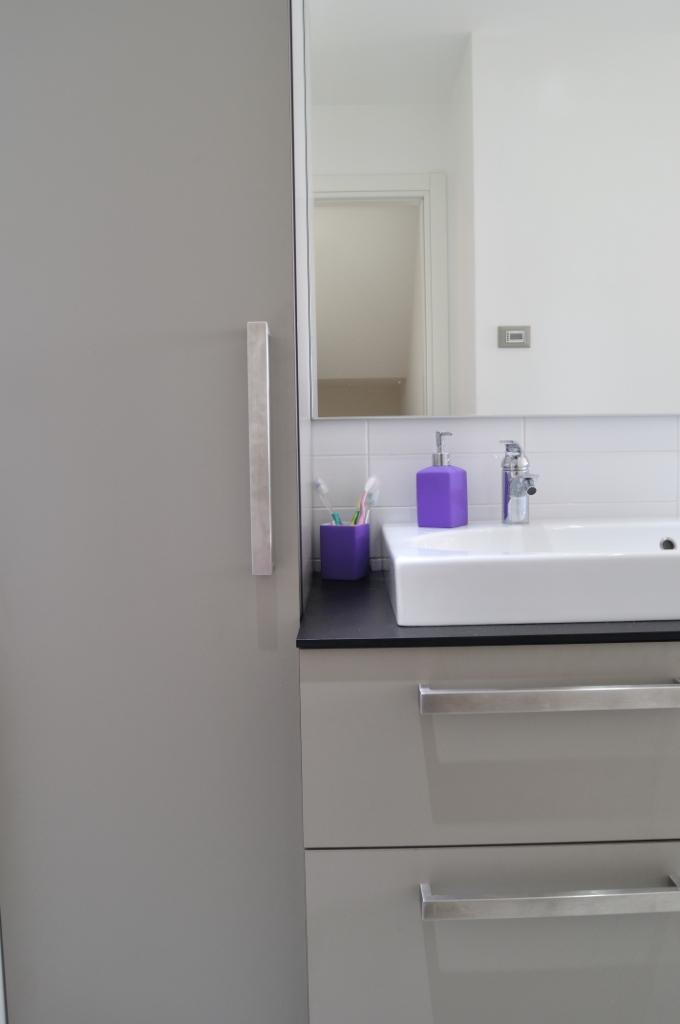 Agora 39 lab srli allestimenti arredamento negozi for Maniglie mobili bagno