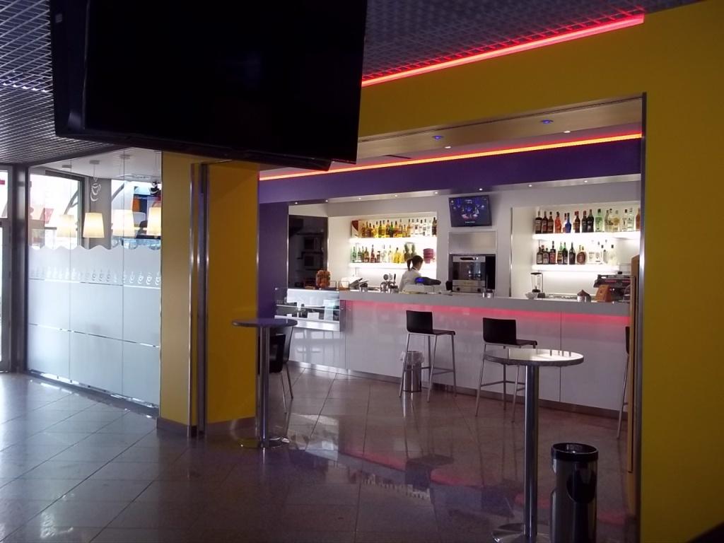 Arredamenti bar agor allestimenti allestimento bar for Nuovo arredo sansepolcro