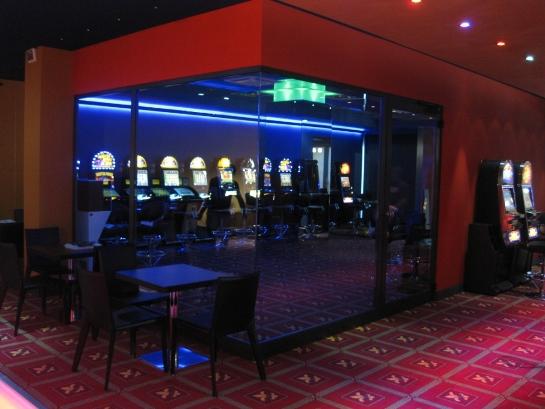 sala gioco ADMIRAL Busto A. (Varese) con sala fumatori