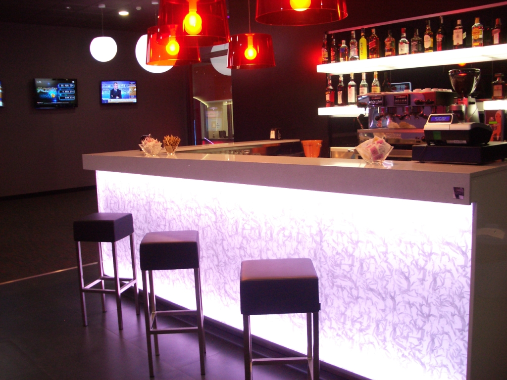 banco bar arredato in vetro e plexi illuminato led rgb